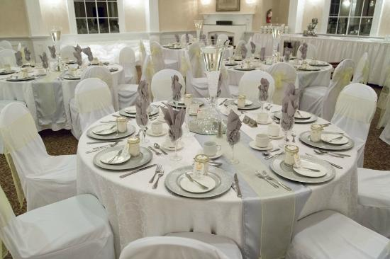BEST WESTERN PLUS Mariposa Inn & Conference Centre: Table Setting