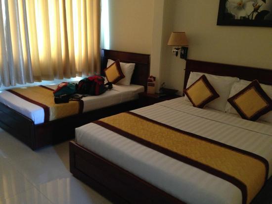 Beautiful Saigon Hotel: Big beds & Big beds - Picture of Beautiful Saigon Hotel Ho Chi Minh City ...