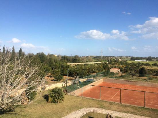 Son Trobat Hotel Rural: Tennisplatz und Spielplatz