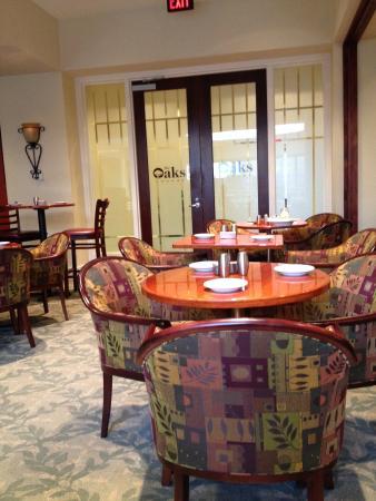 Jesse H. Jones Rotary House International: The Oaks Restaurant ( best buffet around) right in hotel!!