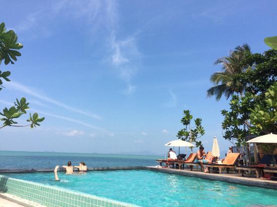 Escape Beach Resort Pool Mit Atemberaubenden Ausblick