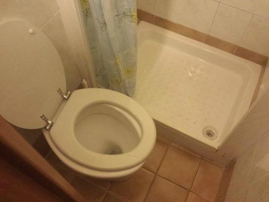 SOGGIORNO EMANUELA - Prices & Guest house Reviews (Rome ...