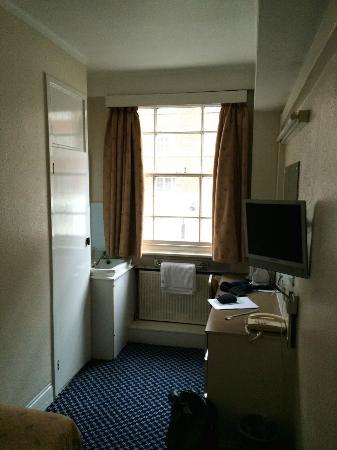The County Hotel: single room