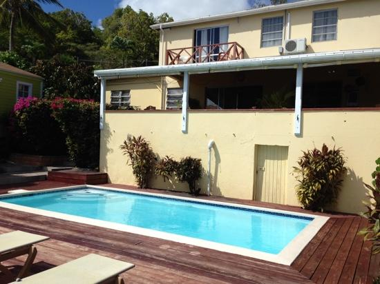 Ocean Inn: pool area