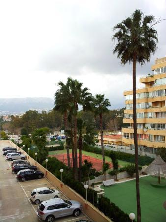 Apartamentos Hipocampos: parking space in the building itself