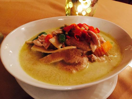 Thai On The Hill: Green chicken curry