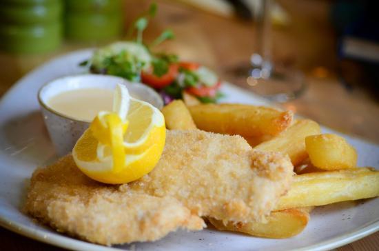 Oaksey, UK: Chicken Schnitzel