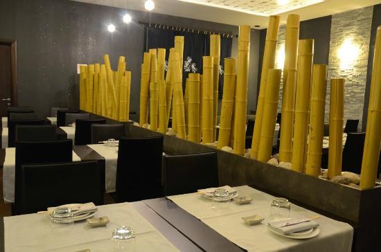 il design della nostra sala con canne di bambu picture