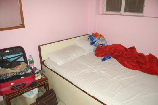 Hotel Namaskar: Single room=400 rs