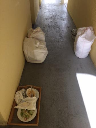 The Reach, A Waldorf Astoria Resort: Trash dump outside room