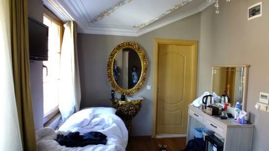 Sultans Royal Hotel: 3rd Floor Room
