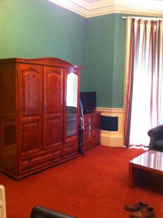 Trinity Lodge: free standing furnishings