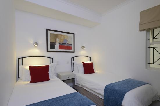 Ambassador Self-Catering Apartments: Two bedroom standard apartment kiddies room