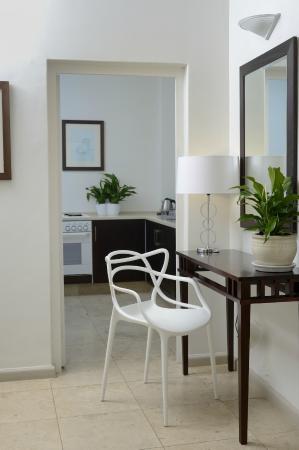 Ambassador Self-Catering Apartments: Apartment kitchen/hall