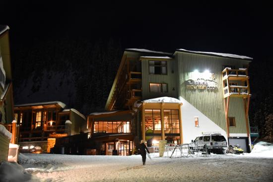 how to get to sunshine mountain lodge