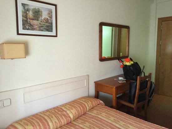 Hostal Laris : o quarto