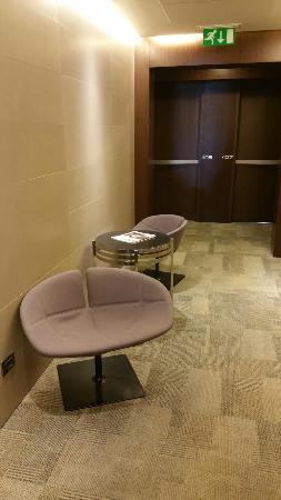 Best Western Hotel Goldenmile Milan: Attesa sul piano