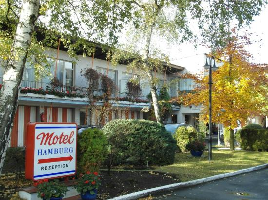 Hamburg Motel: The courtyard (Nov 2013)