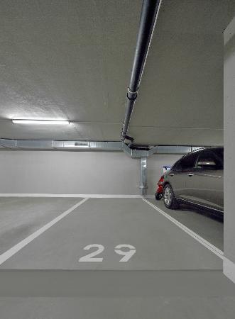 Ambiente Apartments - parking