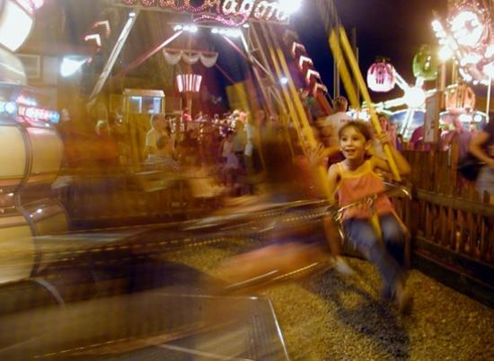 Fantasy Island Amusement Park: swings