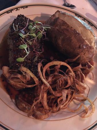 EB Green's Steakhouse: Steak au poive