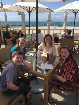 Sun Deck Bar and Grill: Wonderful lunch spot