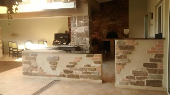 Urban by CityBlue, Kampala, Uganda: Outdoor pizza kitchen