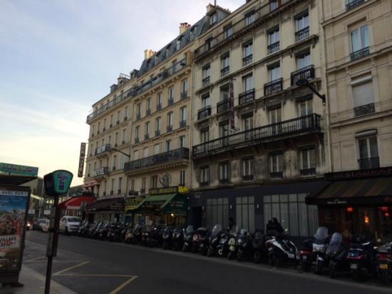 Fotograf A De Ibis Paris Gare Du Nord Par S