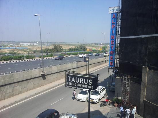 Taurus Hotel & Conventions : Board