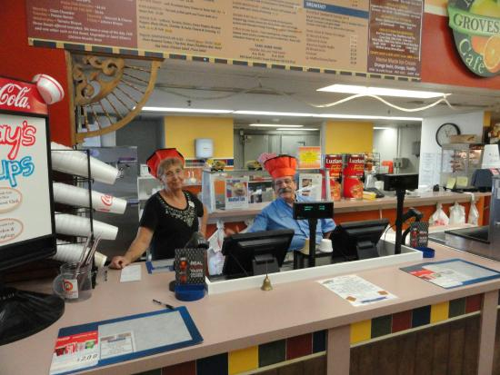 Bradenton, FL: Deli Managers