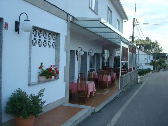 Hotel Restaurante Casa Portuguesa: Terraza fresca en el atardecer
