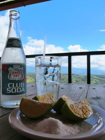 Restaurante Valle Encantado: A little Costa Rican lime with my soda