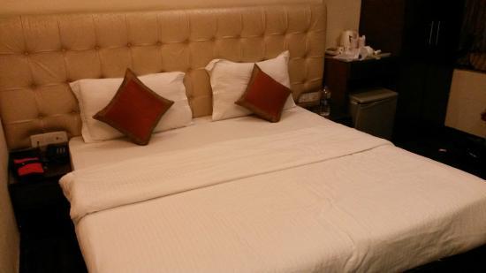 Hotel Rupam: Bedroom