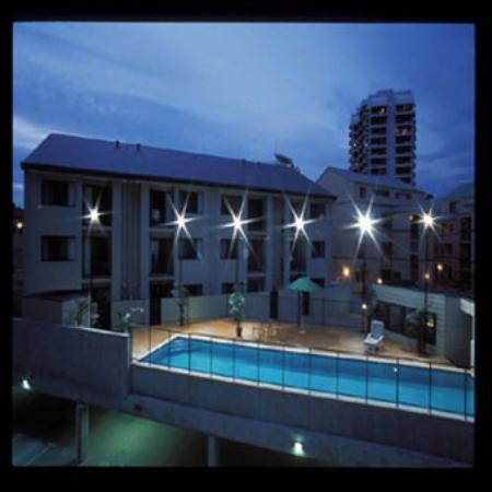 Swimming pool picture of mont clare boutique apartments for Pool show perth