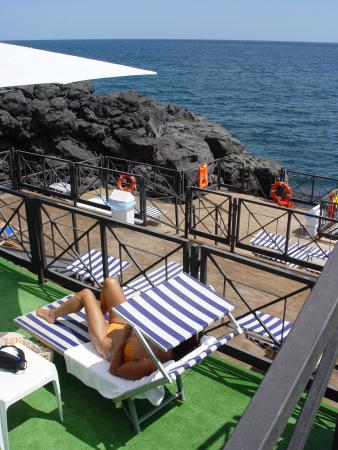 Hotel Nettuno : Terrace With Access To The Sea