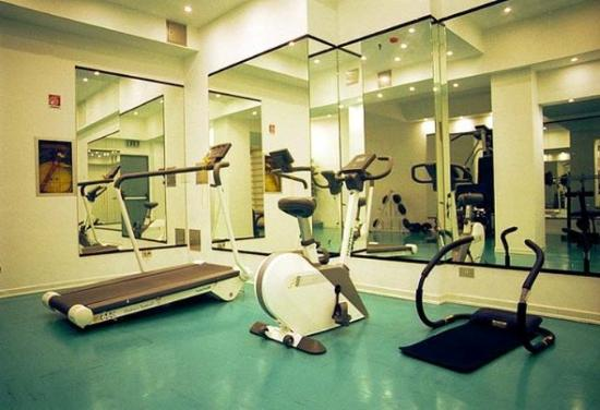 Mec Hotel: Fitnessroom