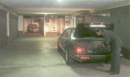 Mec Hotel: Garage