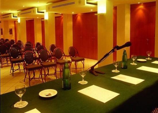 Comfort Hotel Roma Airport Fiumicino : Meeting Room