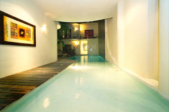 Kinbe Hotel: Pool View