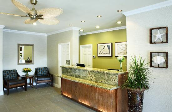 Pacific Shores Inn: Lobby