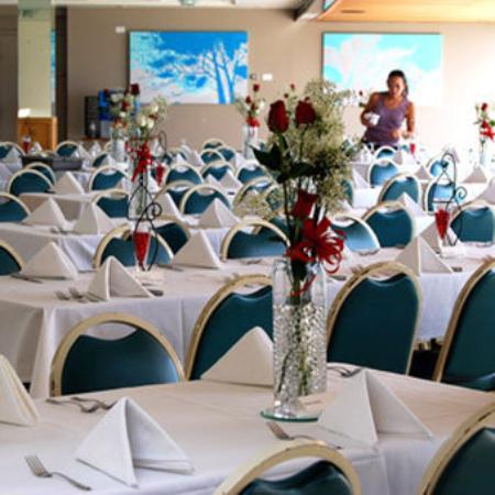 Hilo Naniloa Hotel: Restaurant