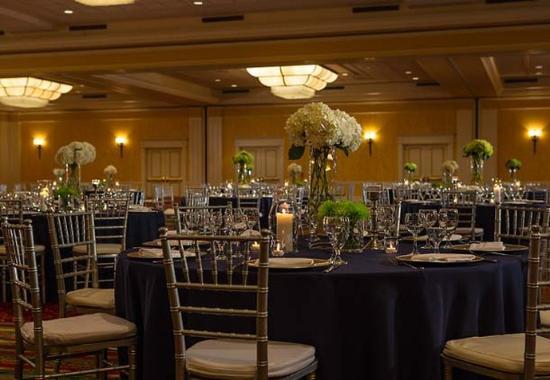 Marriott St. Louis Grand Hotel Photo