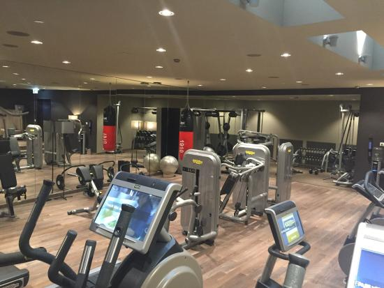 The Passage Basel gutes gym mit techno gym geräten - picture of the passage, basel