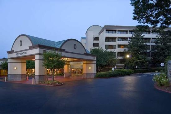 DoubleTree by Hilton Hotel Atlanta - Marietta: Exterior