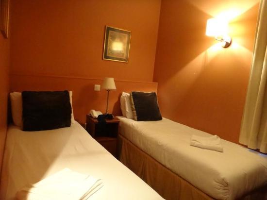 Castleton Hotel: Quarto