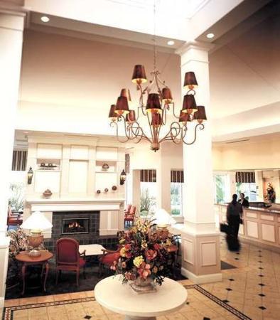 Hilton Garden Inn Oshkosh: Lobby