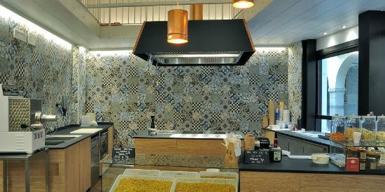 Cucina Sugo: piastrelle in gres CEMENTINE 20 di Ceramica Fioranese ...