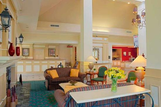 Hilton Garden Inn Baton Rouge Airport: Lobby