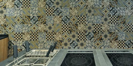 Cucina Sugo: piastrelle in gres CEMENTINE 20 di Ceramica ...