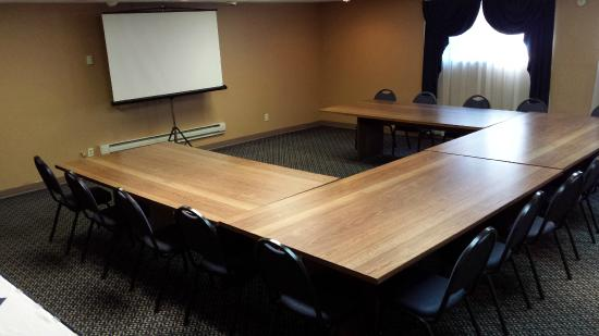Ramada by Wyndham Janesville: Our Conference Rooms can easily accommodate your meeting needs.